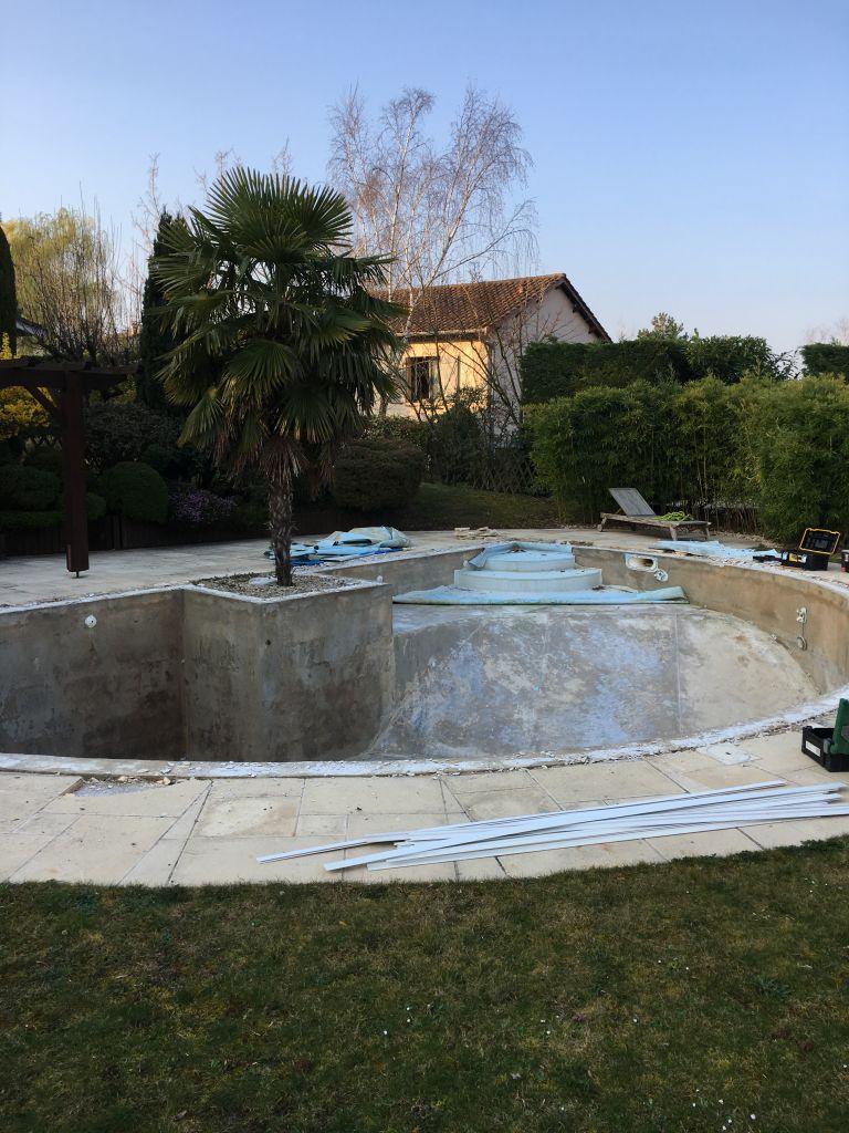 changement-liner-depose-ancien-liner-piscine-vourles